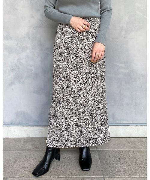 apart by lowrys(アパートバイローリーズ)の「【店舗限定】ヘンケイドットホソプリーツスカート  916735(スカート)」 ベージュ