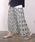 coca(コカ)の「上品花柄ロング丈プリーツスカート(スカート)」|ホワイト