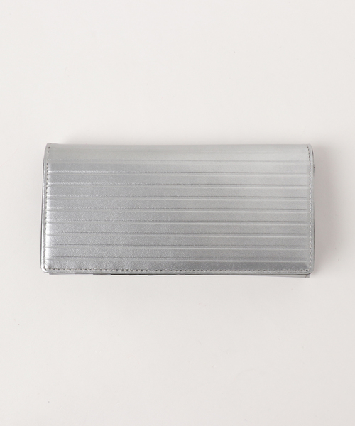 NAUGHTIAM(ノーティアム)の「NAUGHTIAM (ノーティアム)ラインプレスシリーズ 長財布(財布)」|シルバー