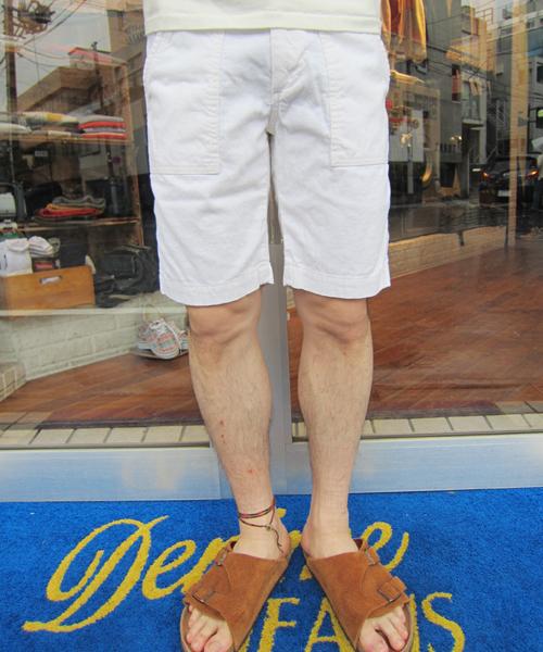 Denime(ドゥニーム)の「COTTON LINEN CORD SHORT PANTS(スラックス)」|ホワイト