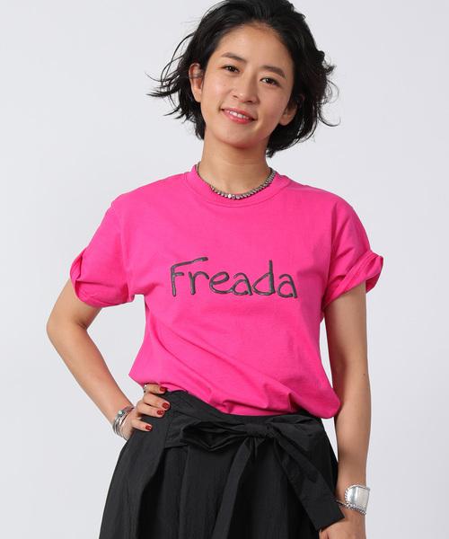 FREAK'S STORE(フリークスストア)の「Freada/フリーダ プリントロゴTEE(Tシャツ/カットソー)」 ピンク