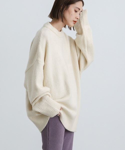 select MOCA(セレクトモカ)の「オーバーサイズボリュームニット/もっちり柔らか肌触りユニセックスバルーンスリーブデザイン(ニット/セーター)」|ホワイト