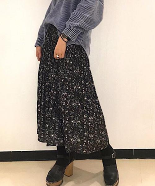 one way(ワンウェイ)の「小花柄プリーツSK(スカート)」 ブラック