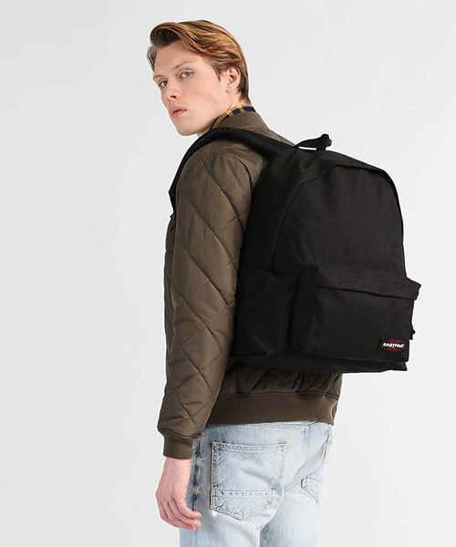 EASTPAK(イーストパック )の「PADDED PAK'R XL  CORE COLORS デイパック(バックパック/リュック)」|ブラック