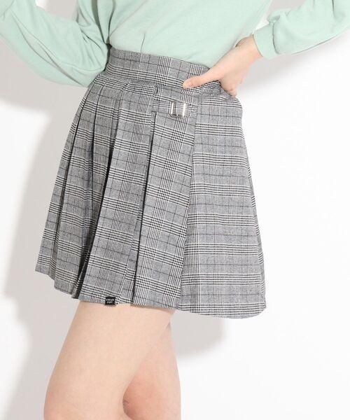 PINK-latte(ピンクラテ)の「両サイドバックルプリーツスカート(スカート)」|グレー系1