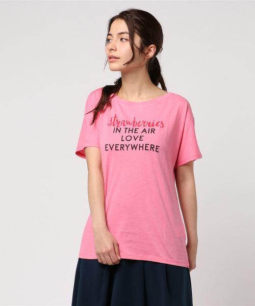 BENETTON (UNITED COLORS OF BENETTON)(ベネトンユナイテッドカラーズオブベネトン)の「文字プリントTシャツ?カットソー(Tシャツ/カットソー)」|ピンク