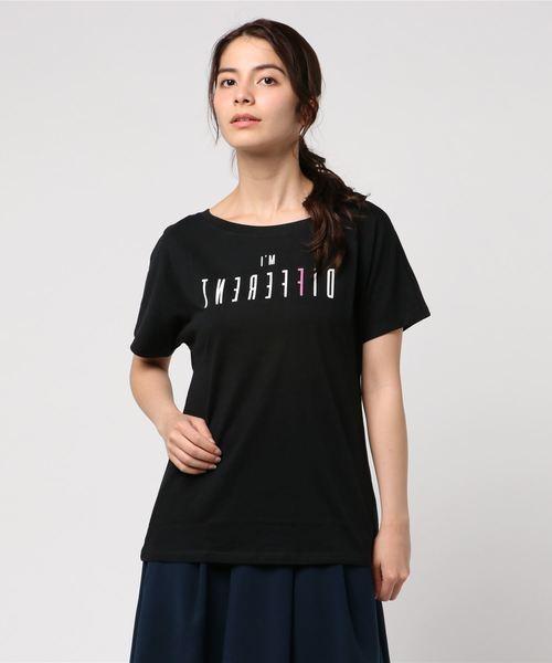 BENETTON (UNITED COLORS OF BENETTON)(ベネトンユナイテッドカラーズオブベネトン)の「文字プリントTシャツ?カットソー(Tシャツ/カットソー)」|ブラック
