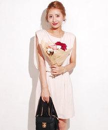 moca couture(モカクチュール)のコットンパールネックレス付きウエストブラウジングドレス(ドレス)