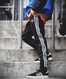 FREAK'S STORE MENS(フリークスストアメンズ)の「WEB限定 adidas/アディダス SST TRACK PANTS/CW1275(パンツ)」