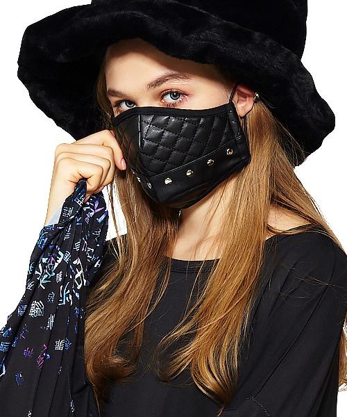 マスク キルティング 翌日発送2個セットで1980円白無地キルティングポケット付き立体マスク。小顔パターンプラス980円でマスクケース1つ付き その他ファッション