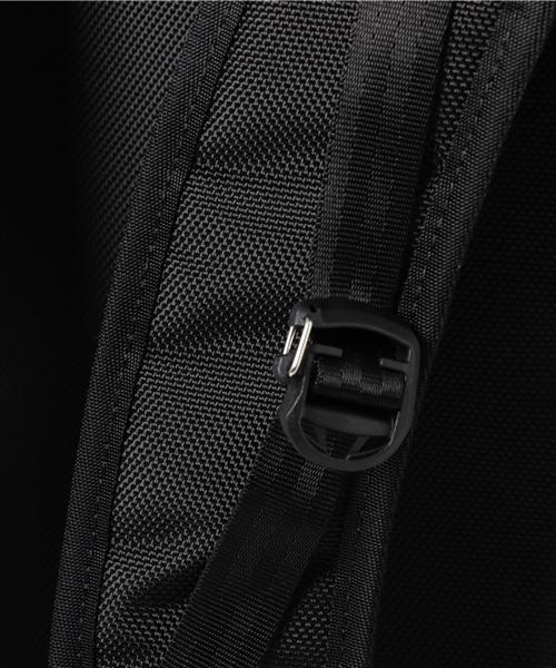 INTR30049-BLKIncase TRACTO Duffel - Black