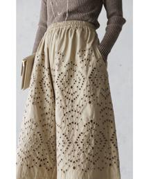 cawaii(カワイイ)の素敵なパンチング刺繍のワイドパンツ(パンツ)