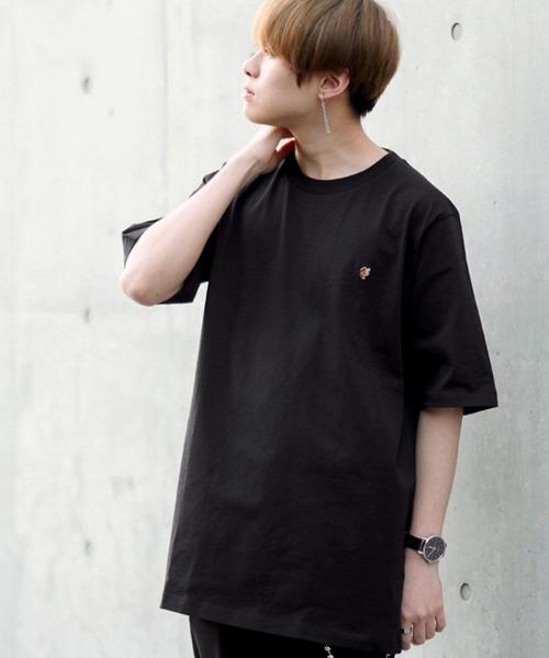 ファッションインフルエンサー SHOTA × BASQUE magenta ビッグシルエット バタフライ刺繍カットソー(半袖)