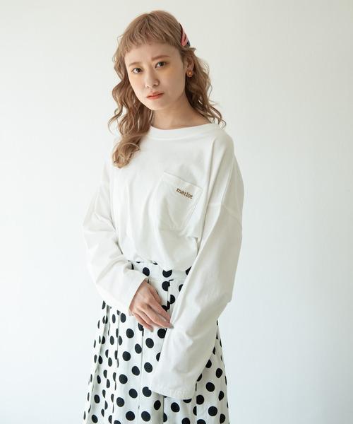merlot(メルロー)の「merlotロゴポケットロンT(Tシャツ/カットソー)」|ホワイト