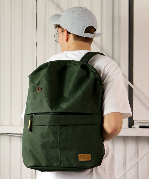 ∴【FOCUSED SPACE/フォーカスドスペース】THE SEAMLESS BACKPACK F1201