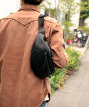 MR.OLIVE | 【撥水レザー】WATER PROOF WASHABLE LEATHER / DELTA BODY BAG(Fannypack)