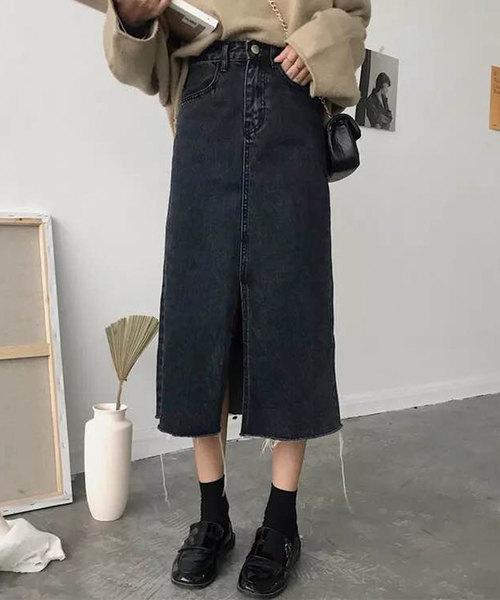 CORNERS(コーナーズ)の「スリット入りブラックデニムタイトスカート(デニムスカート)」 ブラック