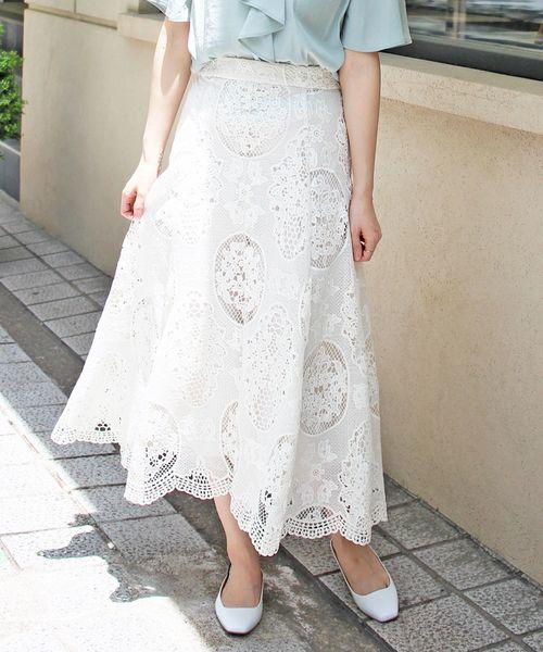 Perle Peche(ペルルペッシュ)の「レースフレアロングスカート(スカート)」|オフホワイト