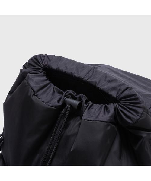 トラベルバッグ