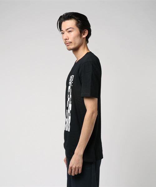 クルーネック Tシャツ イン コットン ウィズ QRコード グラフィック