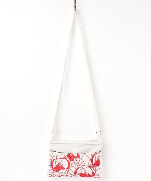 【カヤ】花刺繍ショルダーバッグ
