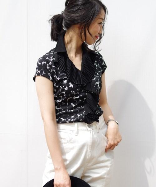 NARACAMICIE(ナラカミーチェ)の「ランダムドットプリントプリーツフリル半袖シャツ(Tシャツ/カットソー)」|ブラック