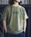 JACK & MARIE(ジャックアンドマリー)の「UNIVERSAL OVERALL × JACK & MARIE ベーシック ロゴTシャツ(Tシャツ/カットソー)」 オリーブドラブ