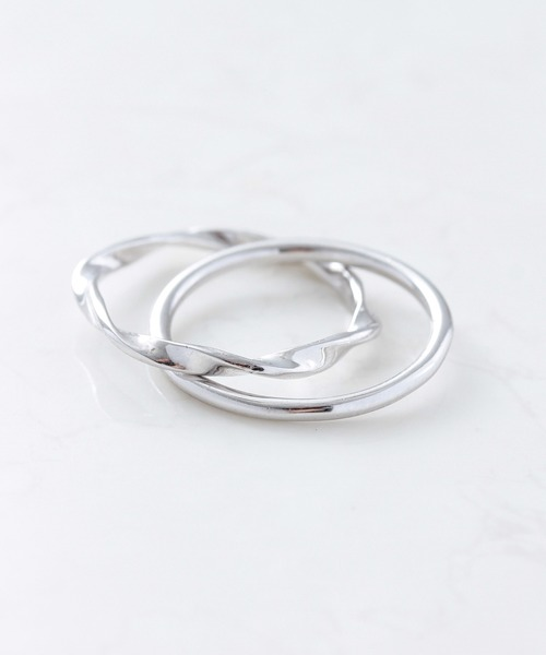 NOIR DE POUPEE(ノワールドプーペ)の「silver925 つや×ひねり 2連リング(ニッケルフリー)(リング)」|シルバー