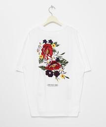 LEGENDA(レジェンダ)のFlower Art Embroidery ルーズシルエットクルーネックTシャツ(Tシャツ/カットソー)