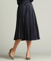 LAUTREAMONT(ロートレ・アモン)のオケージョンシーンにも着て頂ける上品な光沢素材のプリーツスカート(スカート)
