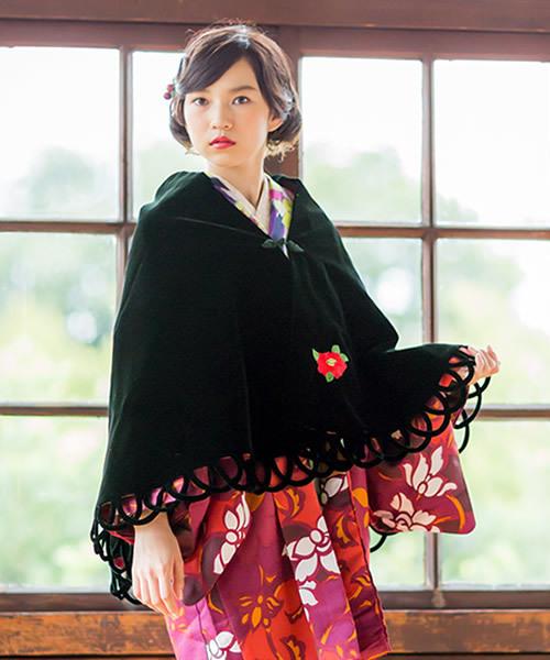 ベルベットケープ「緑色 赤椿の刺繍」ラスト1点