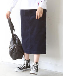 【『MORE』2月号掲載】コーデュロイストレッチタイトロングスカート