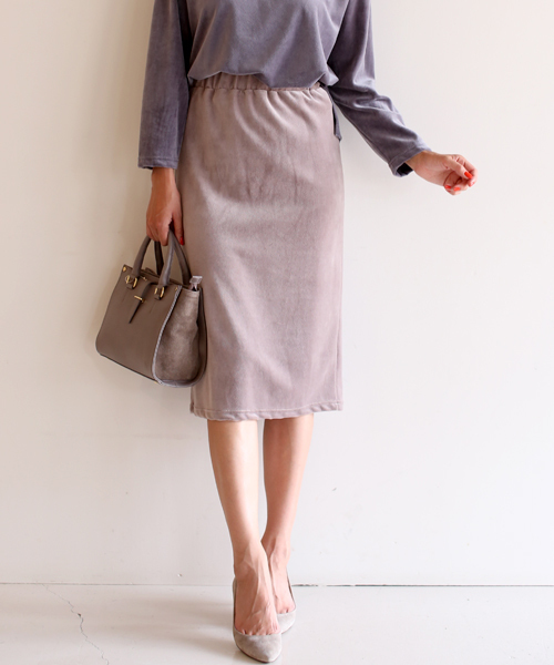 Bou Jeloud(ブージュルード)の「ベロアタイトスカート(スカート)」|ベージュ