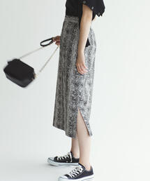 SMF パイソンジャカード Iラインスカート