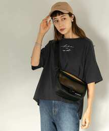SENSE OF PLACE by URBAN RESEARCH(センスオブプレイスバイアーバンリサーチ)のスクリプトロゴビッグTシャツ(5分袖)(Tシャツ/カットソー)