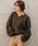 CHAPTER L, LONDON(チャプターエルロンドン)の「キーネックニットトップス(リブ素材ボリュームスリーブベイクドカラー長袖プルオーバー)(ニット/セーター)」 チャコール