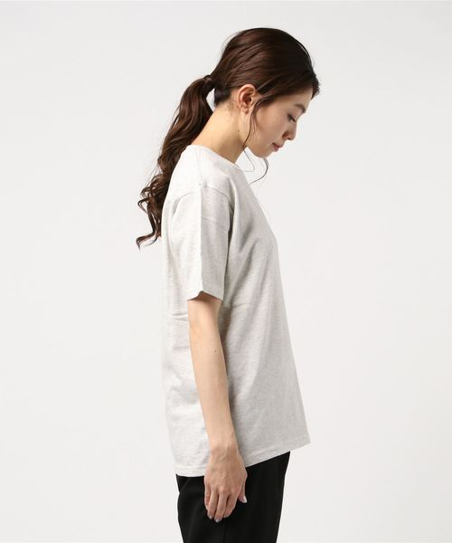 スニーカーワンポイント刺繍Tシャツ