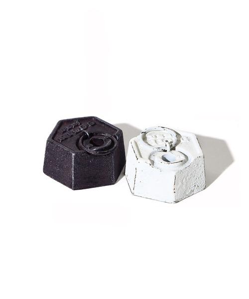 PUEBCO(プエブコ)の「500g-PAPER WEIGHT/pen(ステーショナリー)」 ホワイト