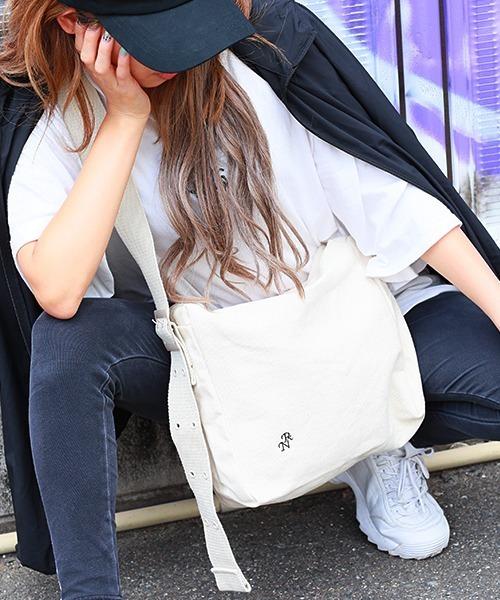 ★WEARISTA多数着用★ Rename 帆布 ダブルホールスクエアショルダーバッグ