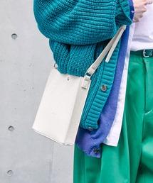 シンセティックレザー ロゴ刻印 スクエアショルダーバッグ(型押しクロコ/スムース)EMMA CLOTHESホワイト系その他