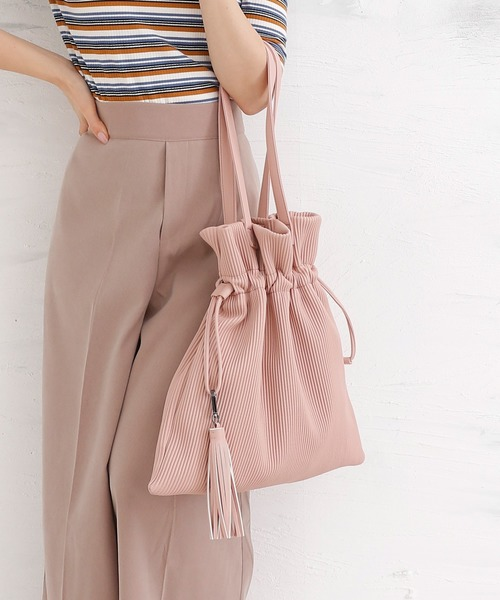 BASE(ベース)の「プリーツ巾着ソフトレザートートバッグ(トートバッグ)」 ピンク