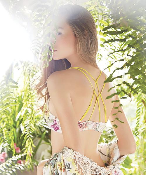 ANNEBRA(アンブラ)の「「ANNEBRA/アンブラ」Floral バックデザインフロントホックブラジャー(ブラ)」|ホワイト系その他