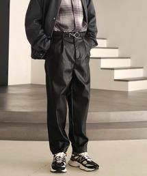 シンセティックレザー ワンタックセミワイドテーパードパンツ EMMA CLOTHESブラック