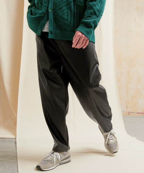 シンセティックレザー ワンタックセミワイドテーパードパンツ EMMA CLOTHES