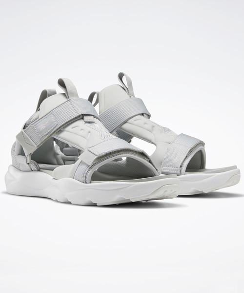 Reebok(リーボック)の「フューリーライト サンダルズ [Furylite Sandals] リーボック(サンダル)」|グレー