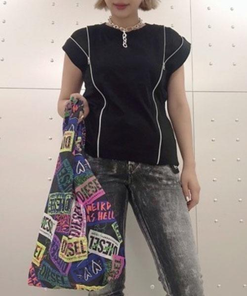 DIESEL(ディーゼル)の「レディース トップス 異素材ジップディテールトップス(Tシャツ/カットソー)」 ブラック