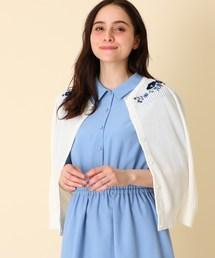 couture brooch(クチュールブローチ)の【手洗い可】ネックフラワー刺しゅうニットカーディガン(カーディガン)