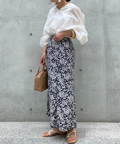 Doux archives(ドゥアルシーヴ)の「単色花デシンスカート(スカート)」|ネイビー