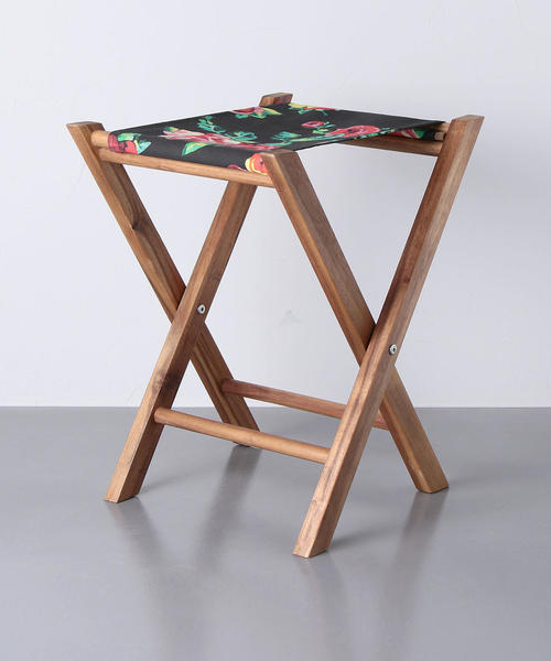 <Vant de boheme(ヴァン・デ・ポエーム)> 木製スツール