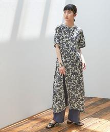 【EMMA】オリジナルアートフラワープリントトップスホワイト